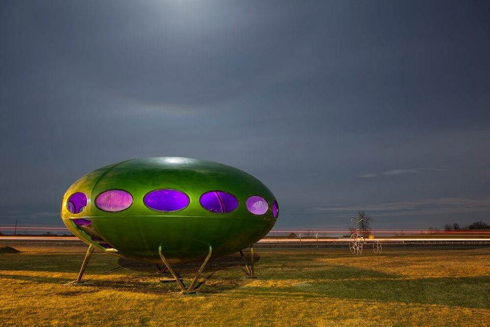 Futuro Home - Livingston, Illinois - The Flash Nites