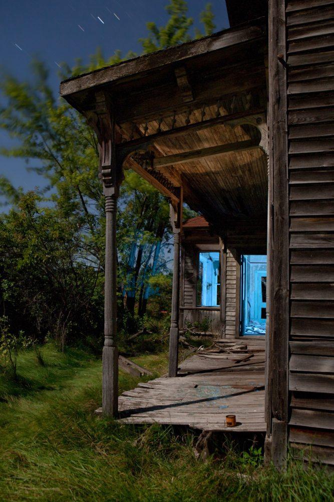 Crivitz Porch - Wisconsin - The Flash Nites