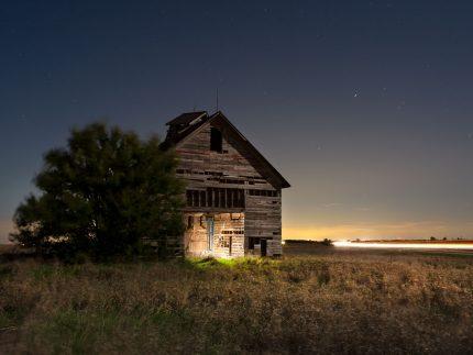 Nevada Barn - Illinois