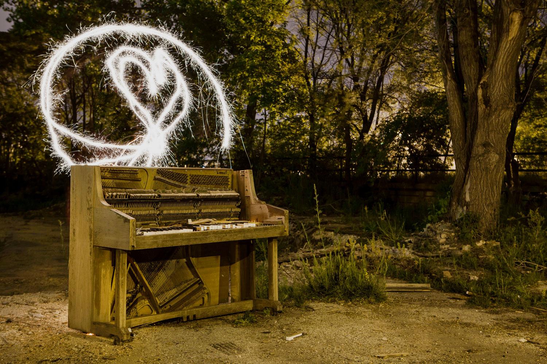Sparkler Piano - Milwaukee, WI - The Flash Nites